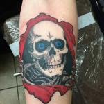 Eric_12_skull-white