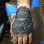 Eric_19_skull-black