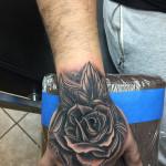 Eric_24_rose-hand